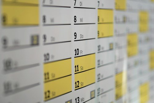 white yellow calendar